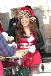 Brooke Lewis – Los Angeles Mission Serves Christmas to the Homeless