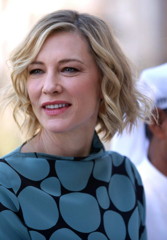 Cate Blanchett - Photocall in Dubai 12/07/2017