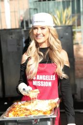 Christina El Moussa - Los Angeles Mission Serves Christmas to the Homeless