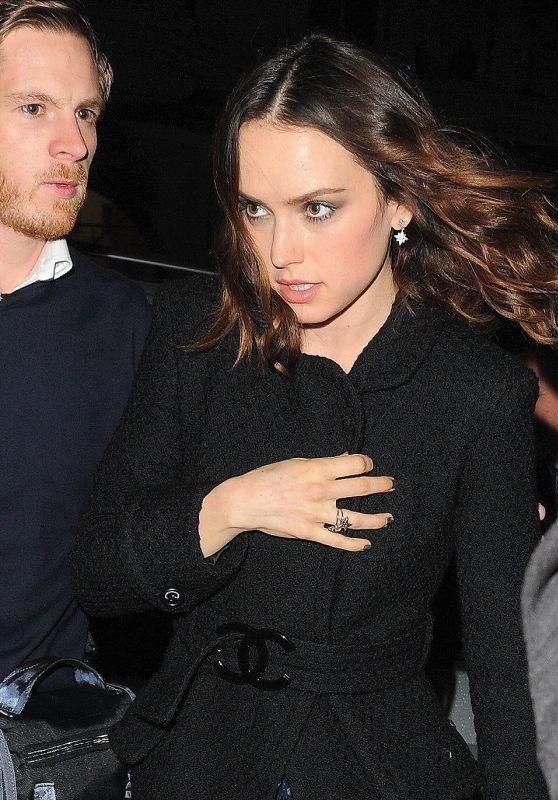 """Daisy Ridley - Arrives at the """"Star Wars: The Last Jedi"""" Premiere After Party in London"""