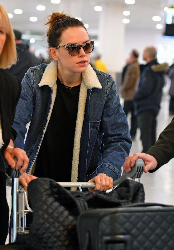 Daisy Ridley - Heathrow Airport in London 12/11/2017