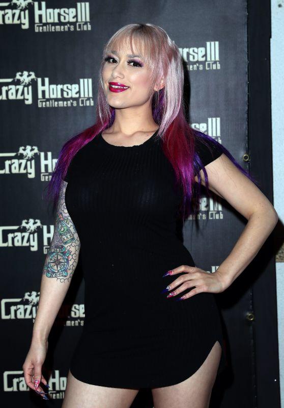 Daizha Morgann - Farrah Abraham As Se*y Santa Host Crazy Horse III Neon Flow Holiday Party