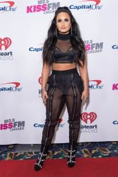 Demi Lovato - Jingle Ball 2017 in Rosemont