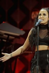 Demi Lovato – Performs Live at 103.5 KISS FM's Jingle Ball 2017 in Rosemont