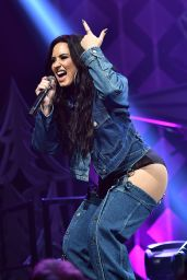 Demi Lovato Performs live at Y100 Jingle Ball in Sunrise