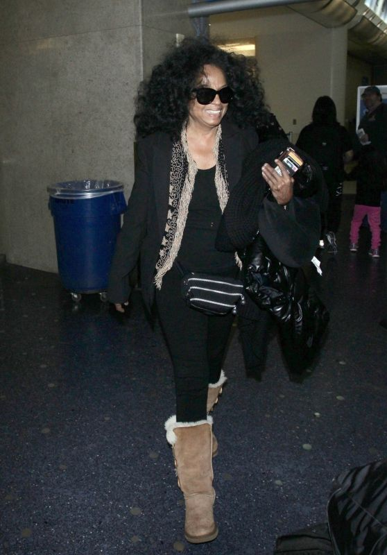 Diana Ross in Travel Outfit Arrives to LAX