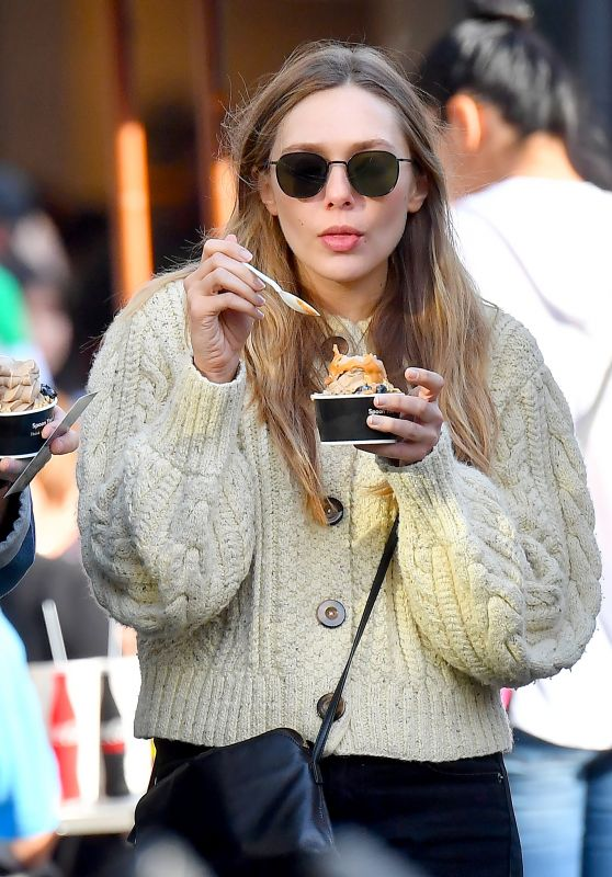Elizabeth Olsen and Her Boyfriend Robbie Arnett Out in Los Angeles