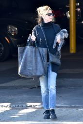 Ellen Pompeo Casual Style - Out in Los Angeles 12/21/2017