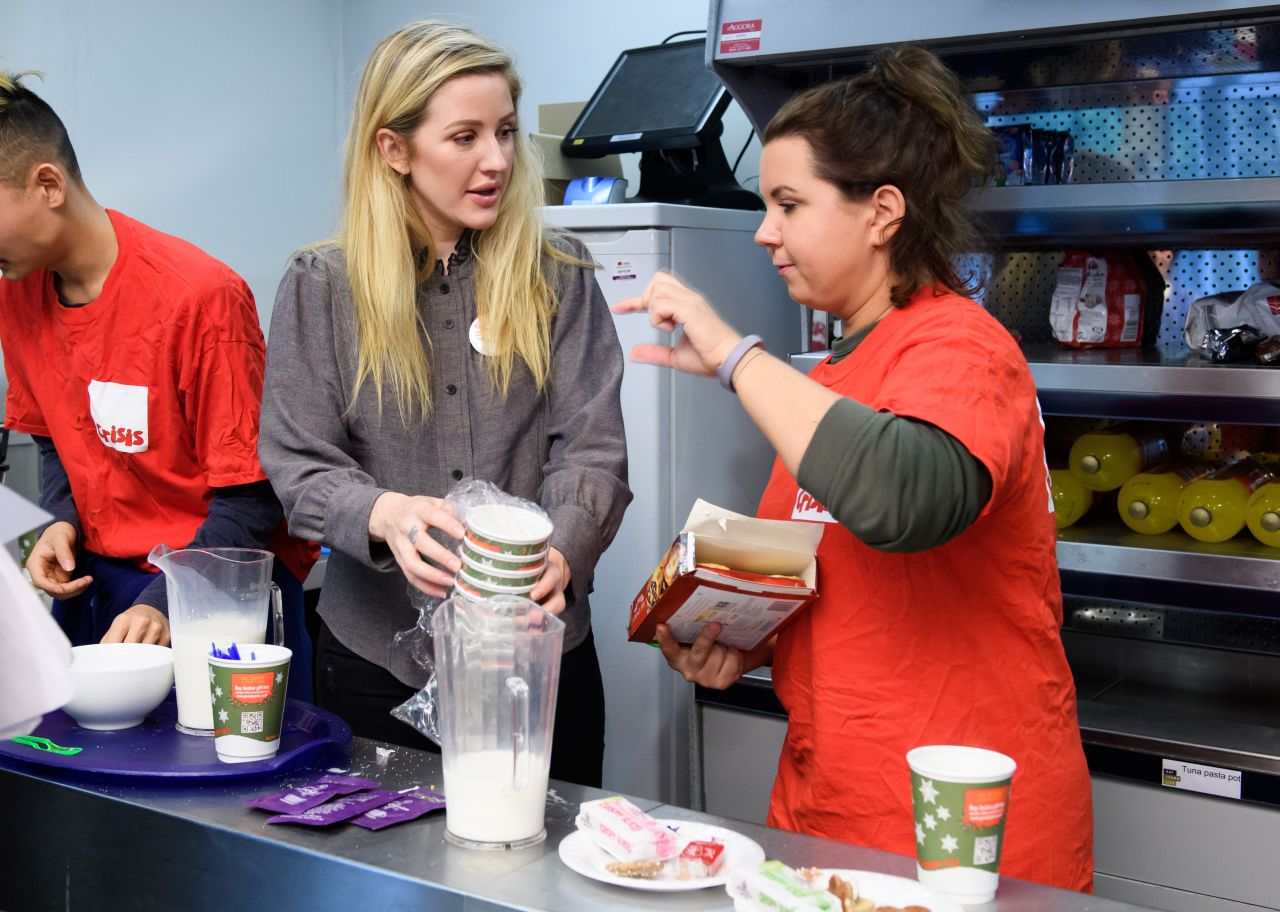 Ellie Goulding Volunteers at a Crisis at Christmas Centre in London