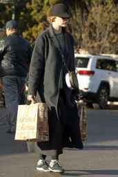 Emma Stone - Grocery Shopping in Beverly Hills