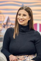Ferne McCann - Lorraine TV Show in London 12/12/2017