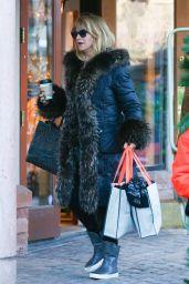 Goldie Hawn Shopping in Aspen