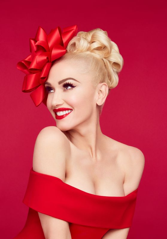 Gwen Stefani - You Make It Feel Like Christmas Photoshoot