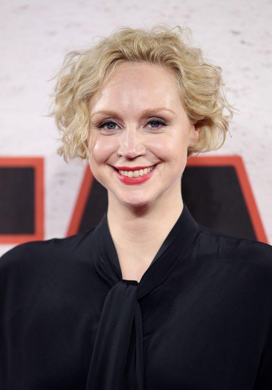 "Gwendoline Christie – ""Star Wars: The Last Jedi"" Film Photocall in London"