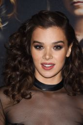 "Hailee Steinfeld– ""Pitch Perfect 3"" Premiere in Los Angeles"