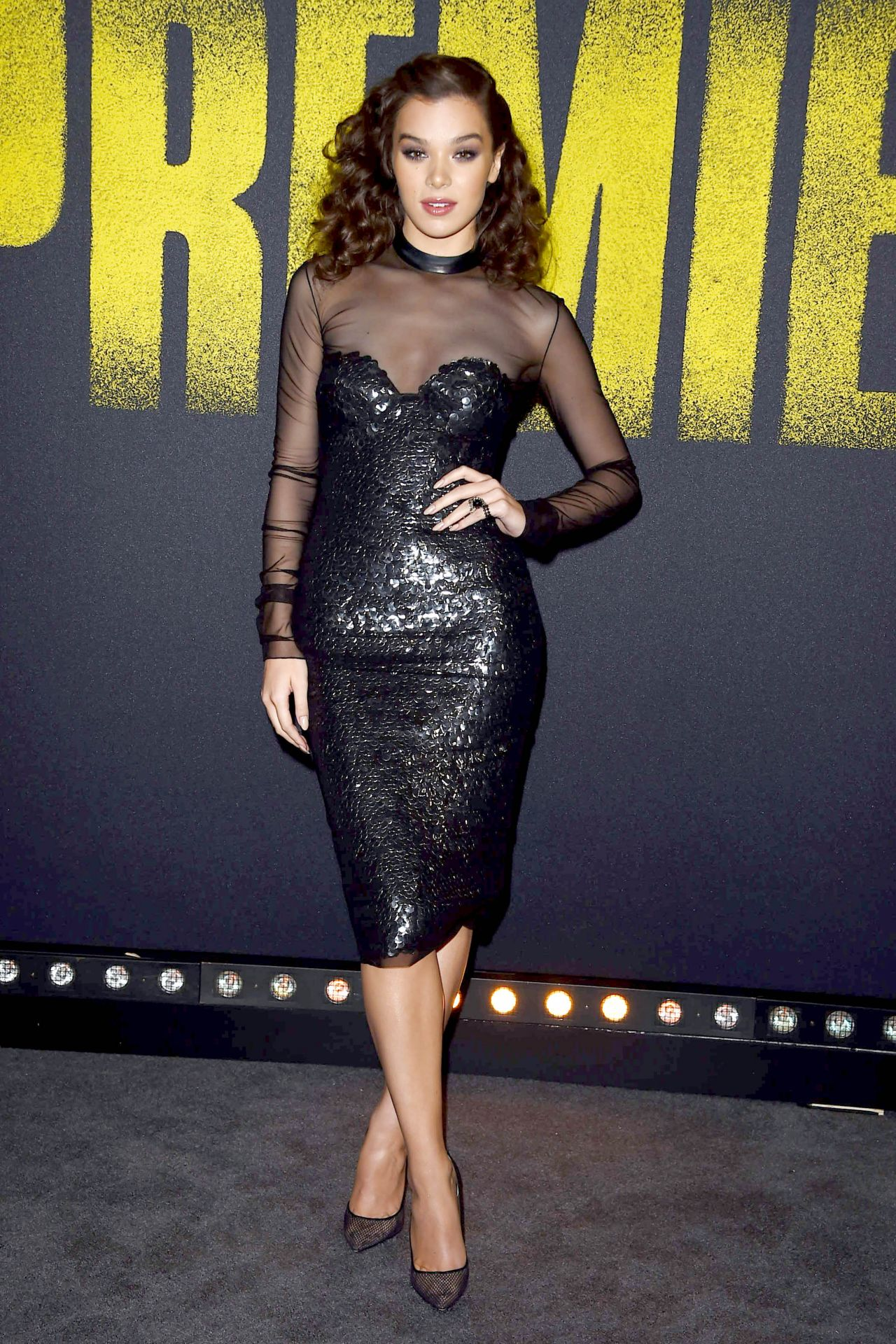 http://celebmafia.com/wp-content/uploads/2017/12/hailee-steinfeld-pitch-perfect-3-premiere-in-los-angeles-3.jpg