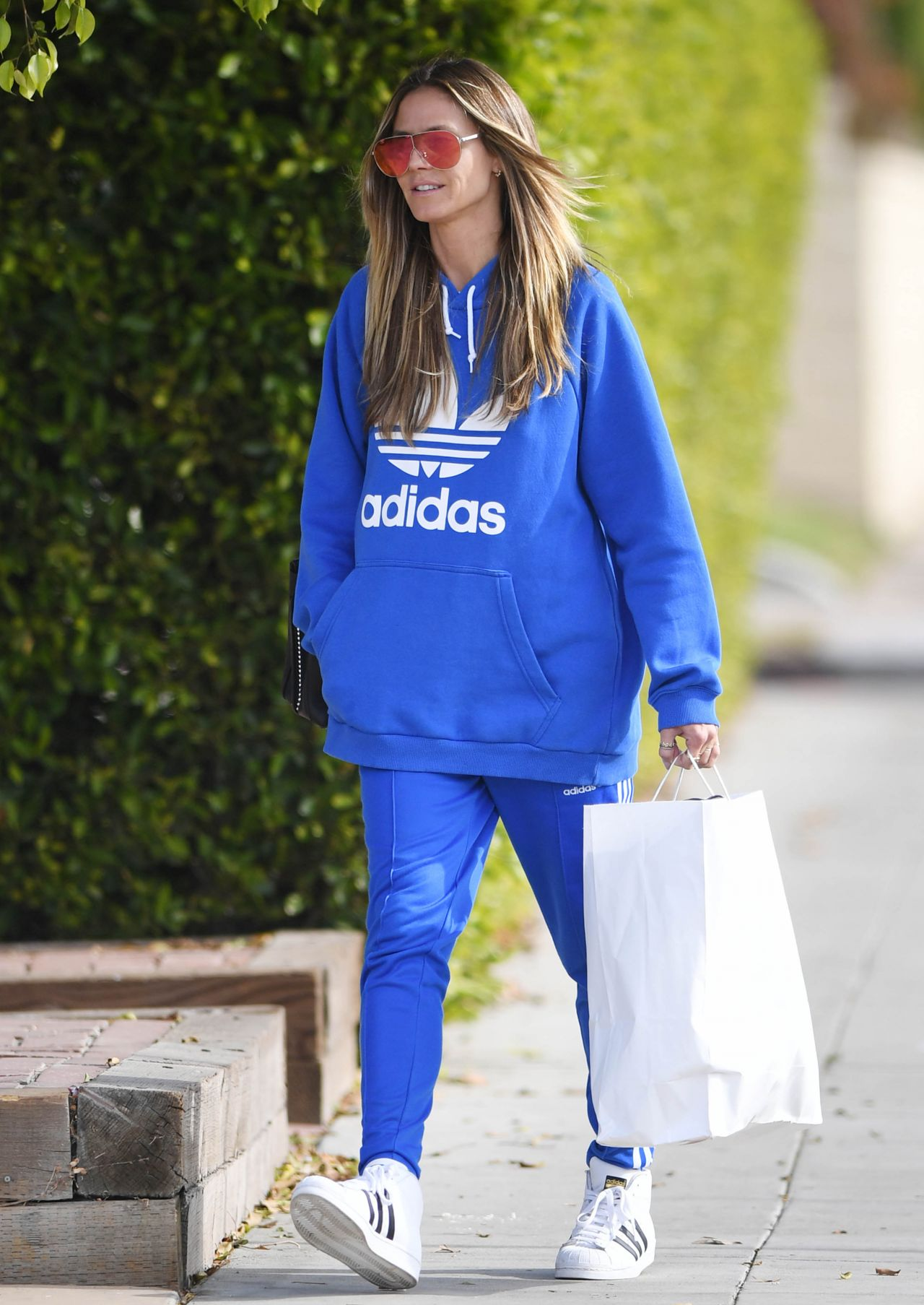 Heidi Klum - Shopping for Christmas Gifts in West Hollywood