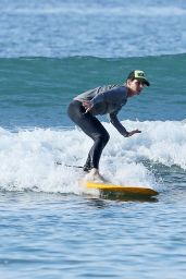 Helen Hunt Candids - Surfing in Hawaii 12/19/2017