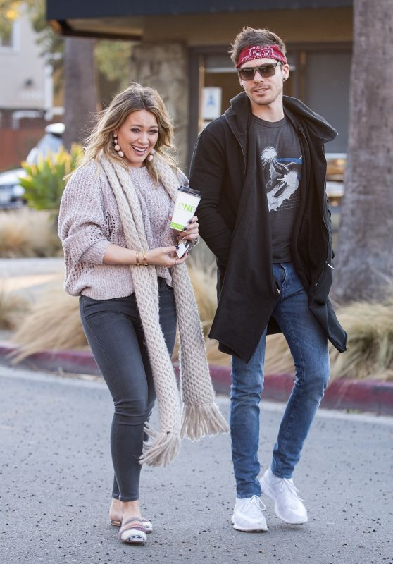 Hilary Duff Casual Style - Makes a coffee run with Matthew Koma in Studio City
