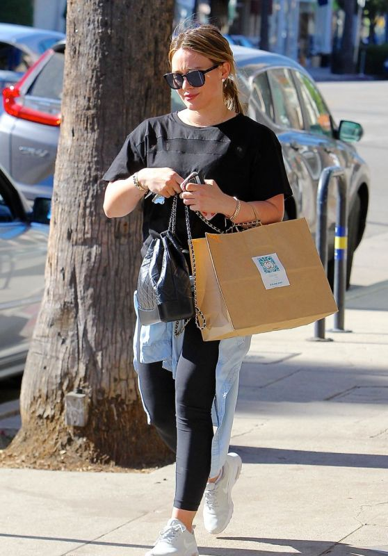 Hilary Duff - Out in Los Angeles 12/07/2017