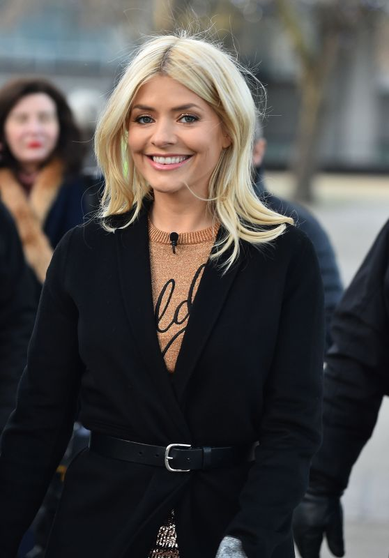 Holly Willoughby - ITV Studios & This Morning in London 12/15/2017