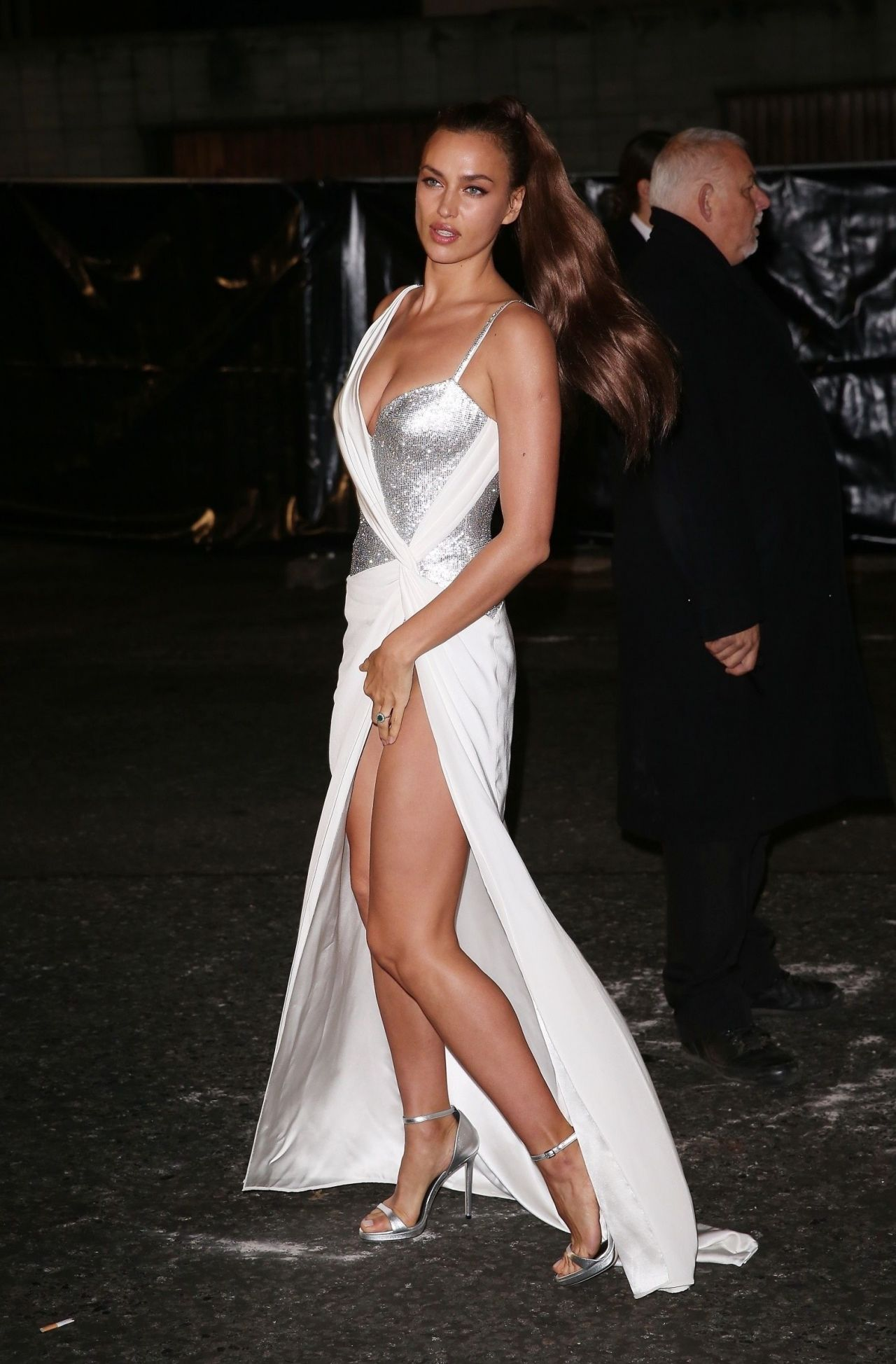 Irina Shayk In Versace Gown London 12 04 2017