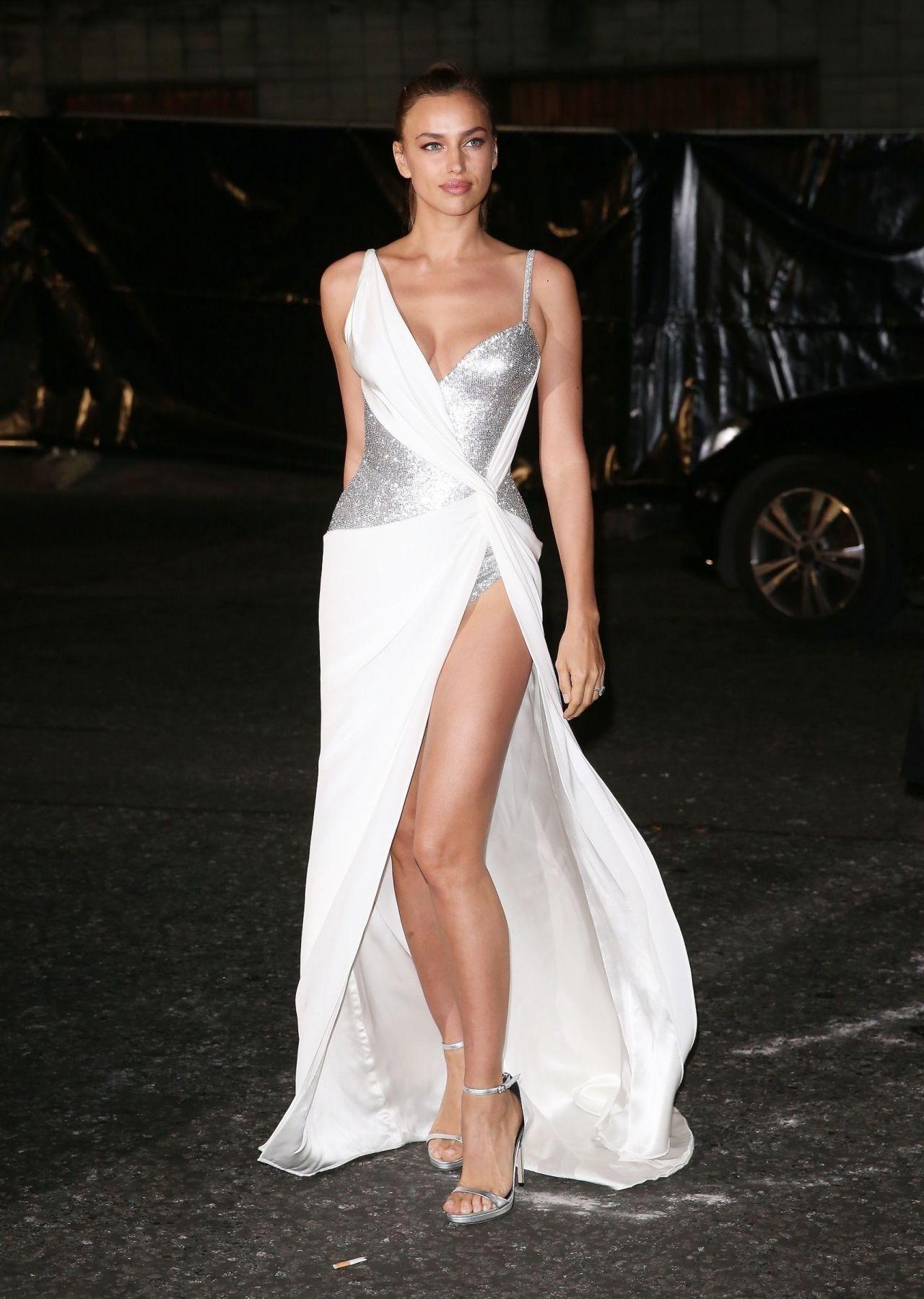 Irina Shayk in Versace Gown - London 12/04/2017