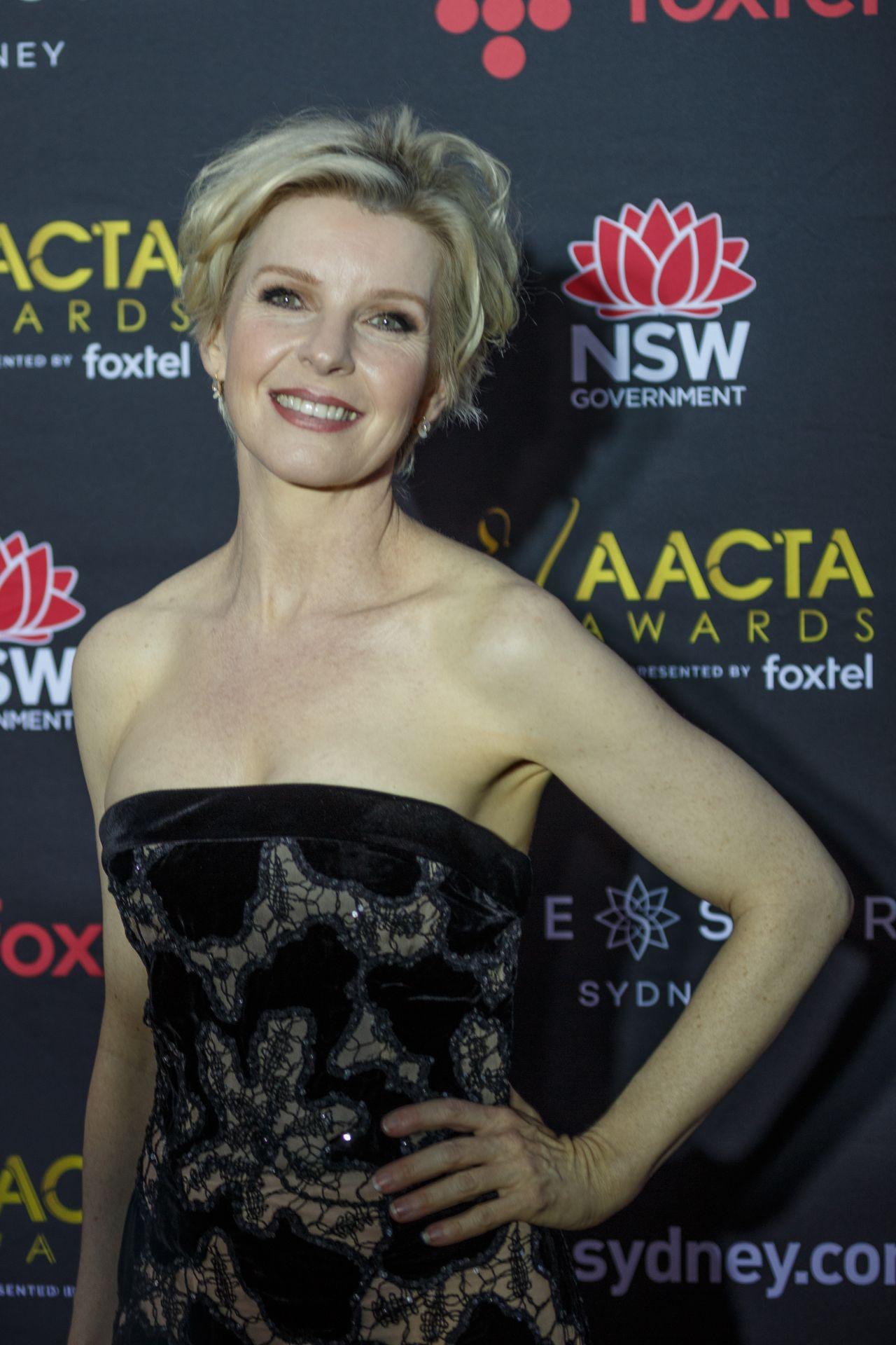 Jacqueline McKenzie – AACTA Awards 2017 Red Carpet