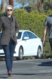 Jane Lynch Shopping With a Mystery Man in Hollywood