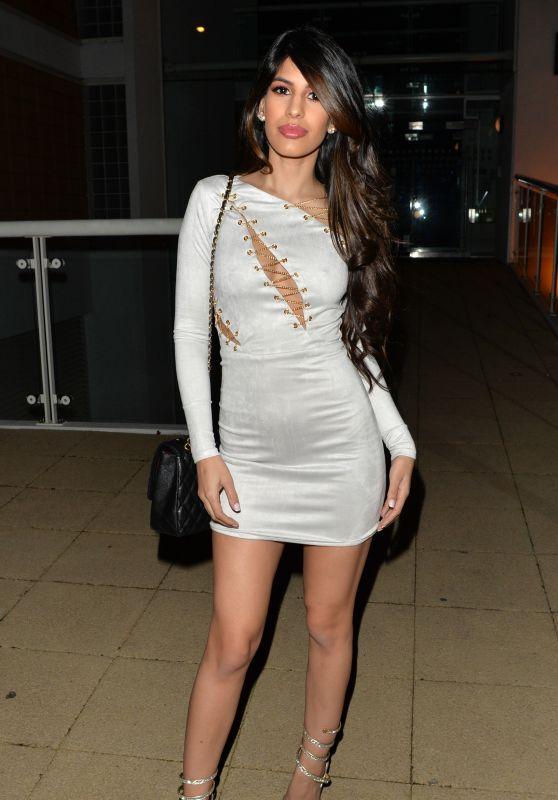 Jasmin Walia Night Out Style - Essex 12/24/2017