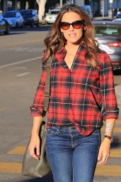 Jennifer Garner in Casual Attire - Afternoon Out in Los Angeles
