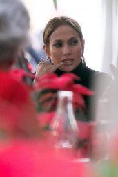 Jennifer Lopez and Alex Rodriguez Dines at a Miami Restaurant 12/16/2017
