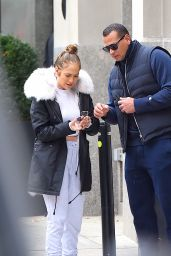 Jennifer Lopez - Out in NYC 12/06/2017