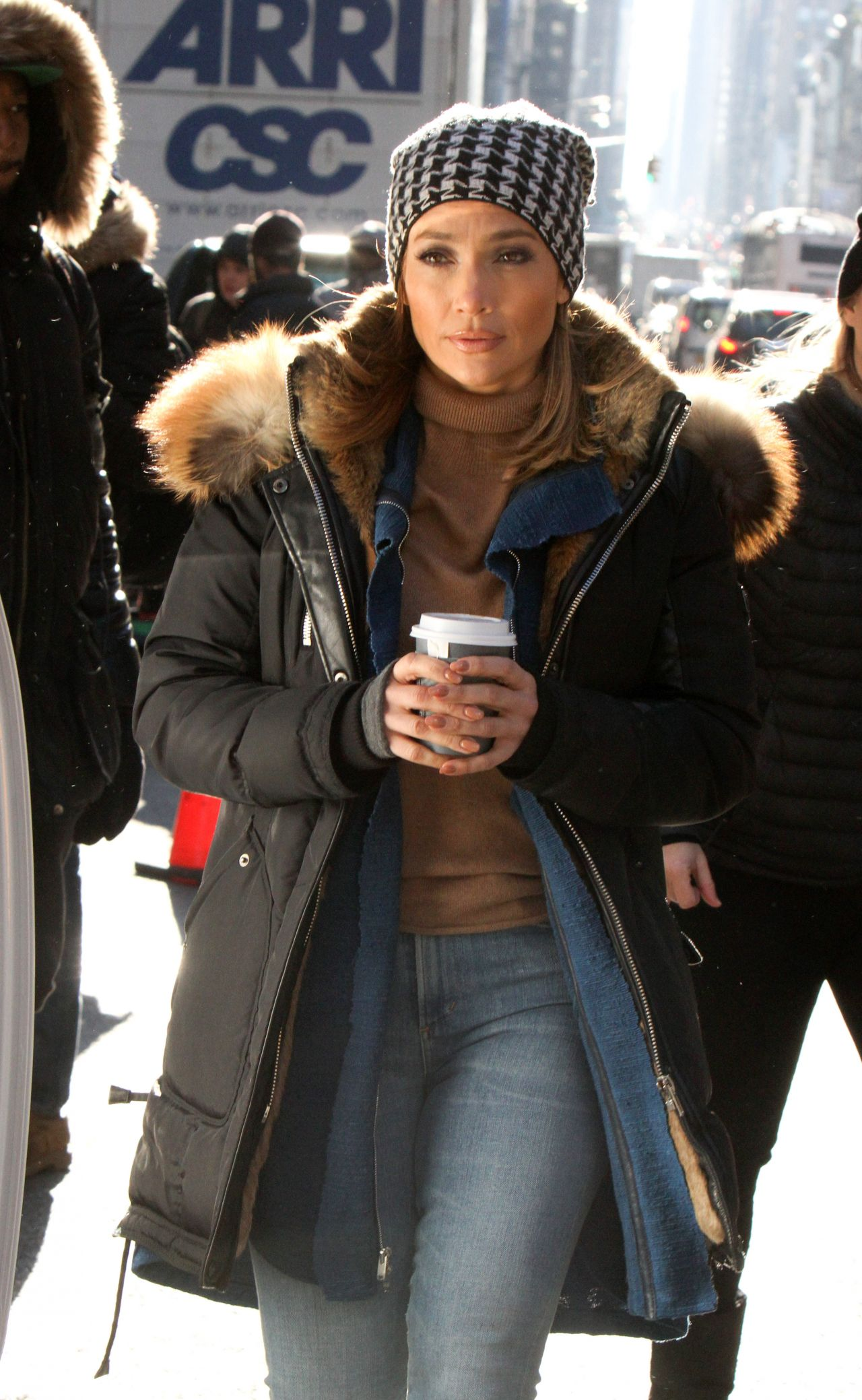 http://celebmafia.com/wp-content/uploads/2017/12/jennifer-lopez-vanessa-hudgens-get-coffee-on-set-of-filming-second-act-in-nyc-5.jpg