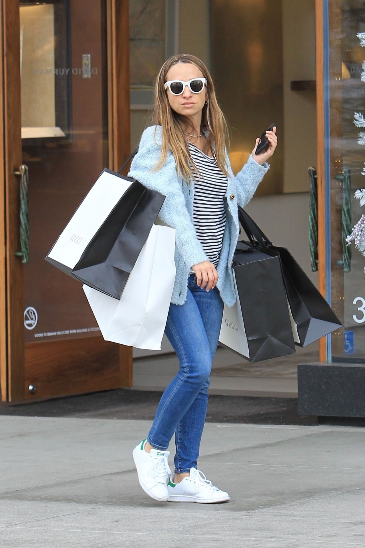 Jennifer Meyer In Casual Outfit Christmas Shopping