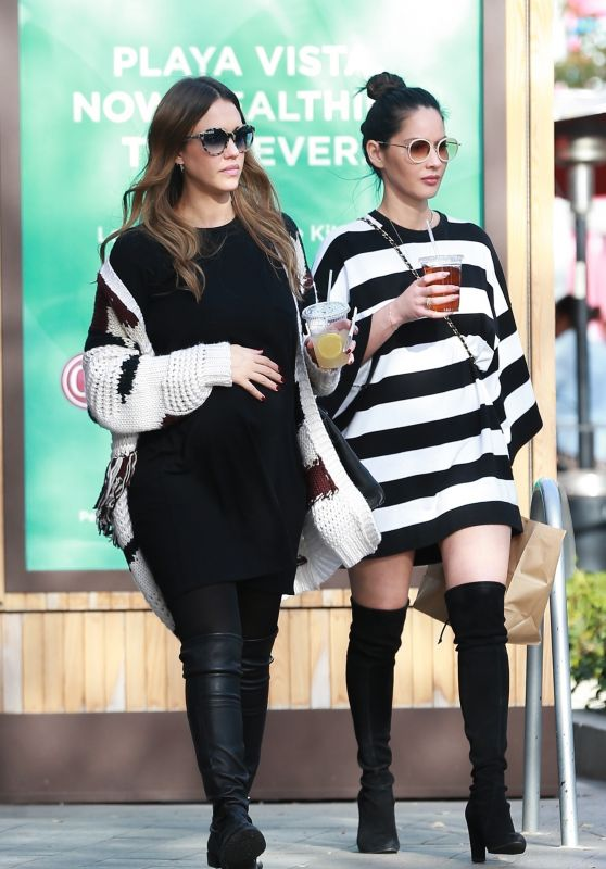 Jessica Alba and Olivia Munn - Out for Lunch in Beverly Hills 12/18/2017