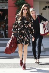 Jessica Biel With a Girlfriend Out in Beverly Hills 12/11/2017