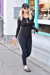 Kaley Cuoco Street Style - Out in Studio City 12/11/2017