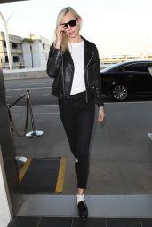 Karlie Kloss Urban Style -  LAX in LA 12/06/2017