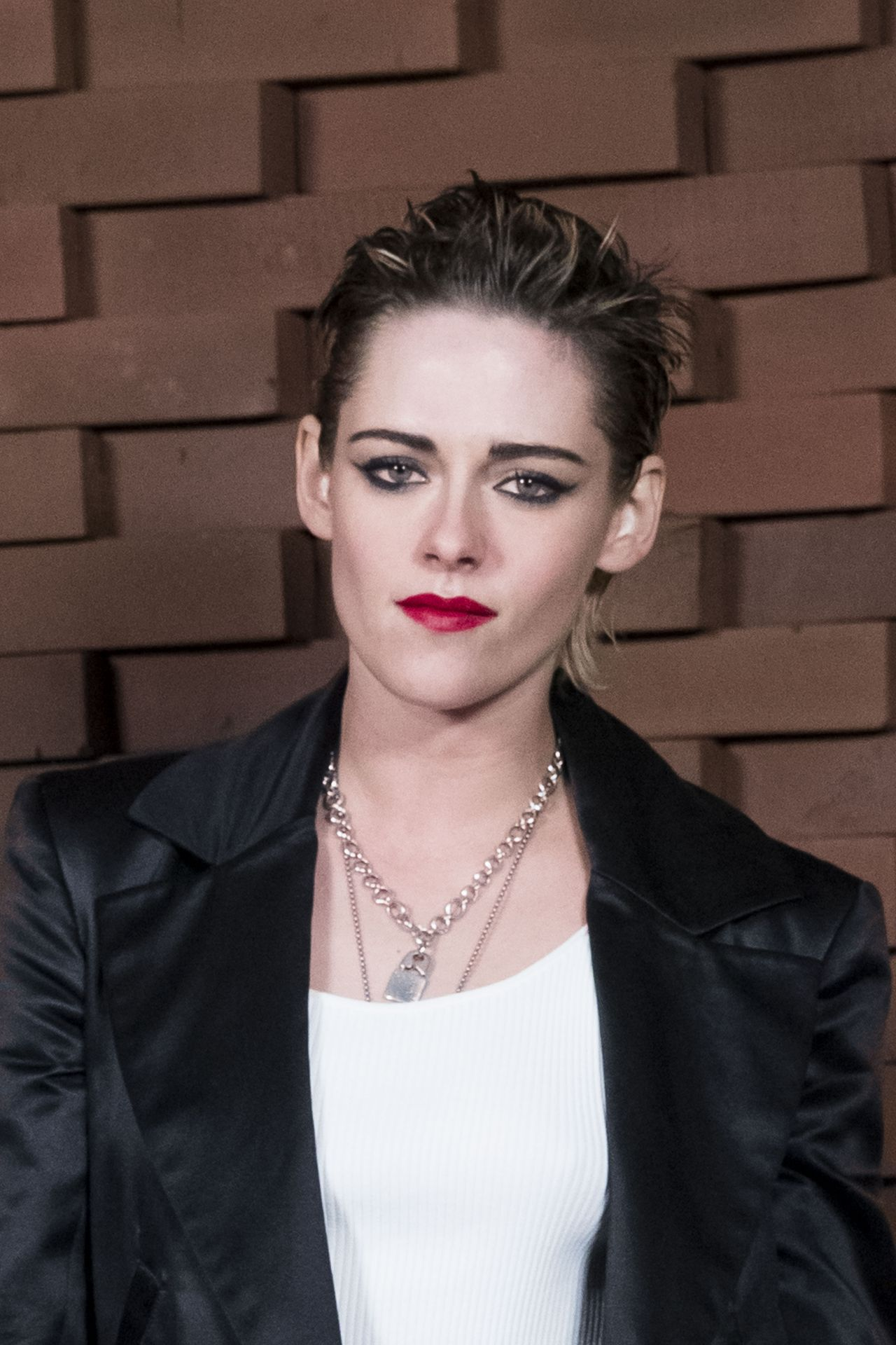Kristen Stewart Chanel Fashion Show In Hamburg