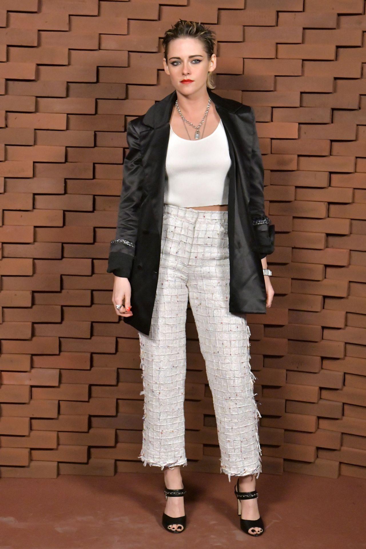 Kristen Stewart Chanel Fashion Show In Hamburg