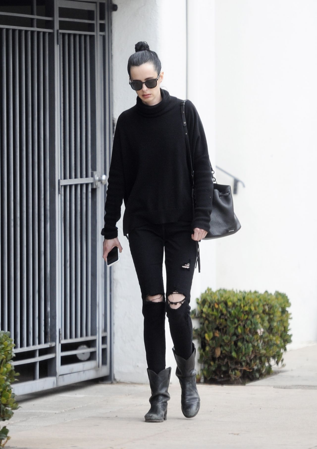 Krysten Ritter in Casual Attire - Leaves a Medical Building in Beverly Hills