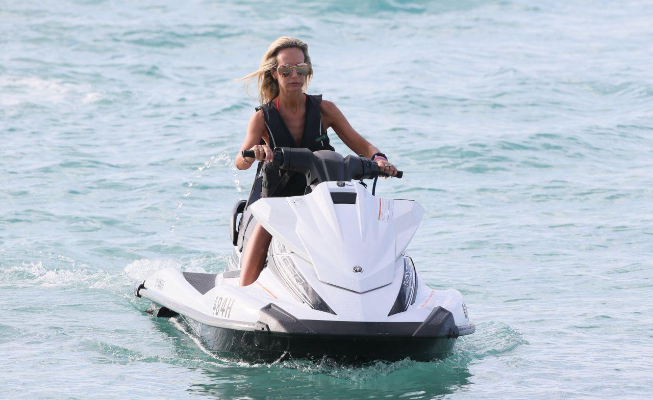 Lady Victoria Hervey in Bikini Boat Party in Barbados Pic 20 of 35