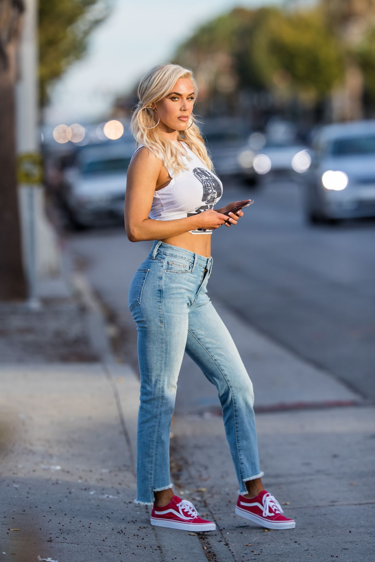 Lana Cj Perry In Tight Star Wars Tee And Jeans In Los -3288