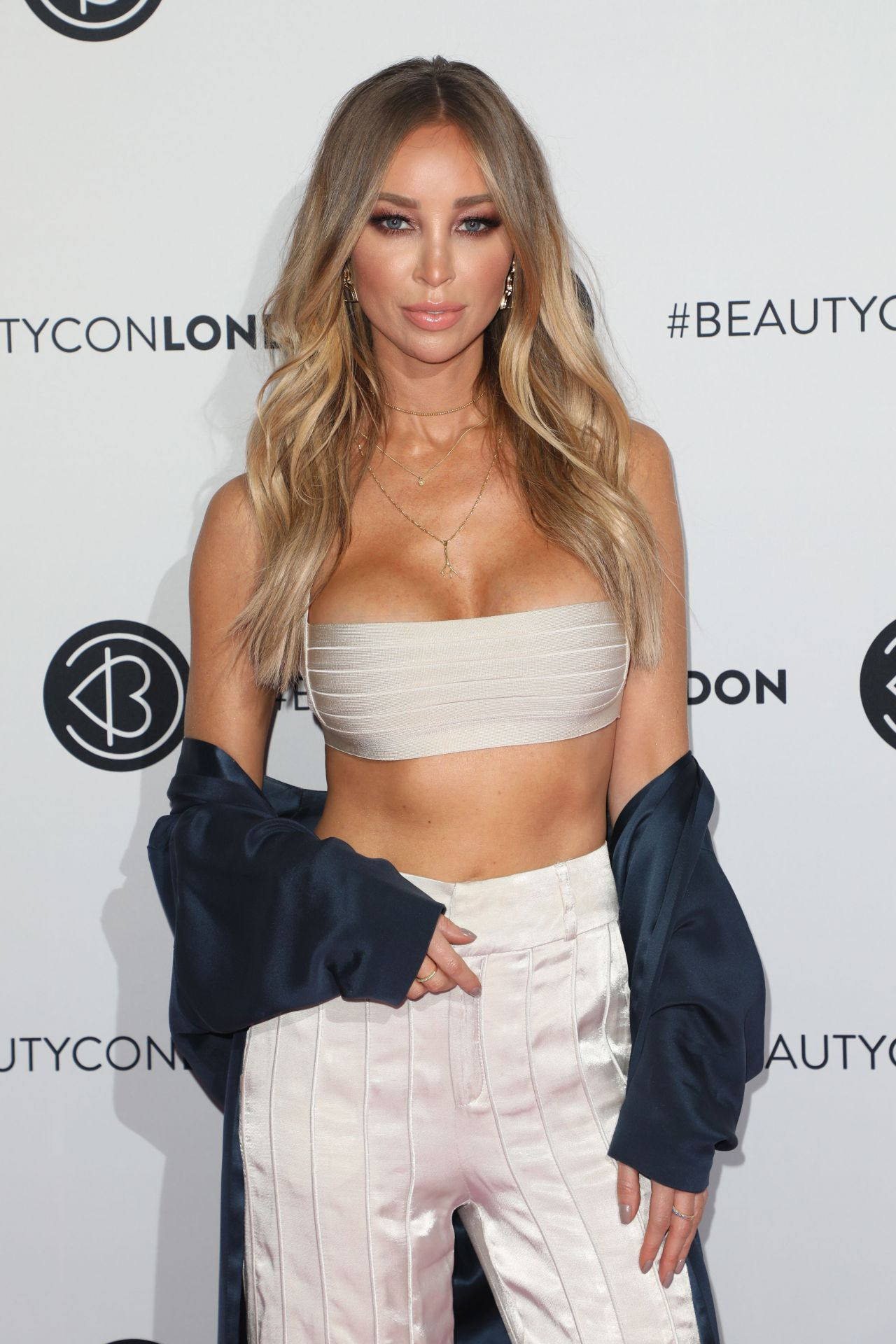 cleavage Pictures Lauren Pope naked photo 2017