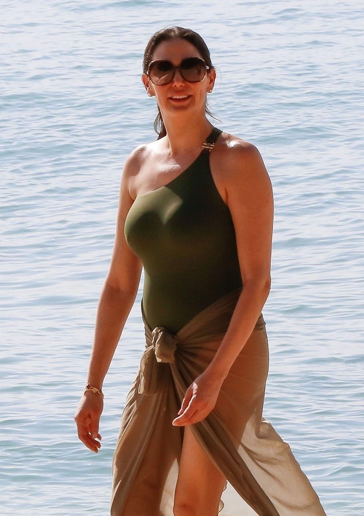 Is a cute Natalya Alberto  naked (12 foto), Facebook, braless
