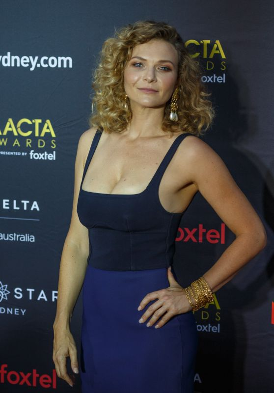 Leeanna Walsman – AACTA Awards2017 Red Carpet in Sydney