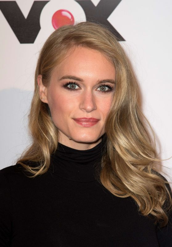 """Leven Rambin - """"Gone"""" TV Series Photocall in Paris 12/13/2017"""