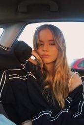 Lexee Smith - Social Media December 2017