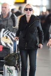 Lindsay Lohan - JFK Airport in New York City 12/04/2017